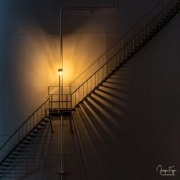 Un escalier et son ombre